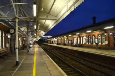 Truro-Station-Early-Arrival-on-the-Night-Riviera-London-to-Penzance-Cornwall-Sleeper-Train