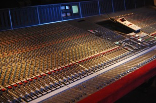 SSL_SL9000J_(72ch)_@_The_Cutting_Room_Recording_Studios,_NYC